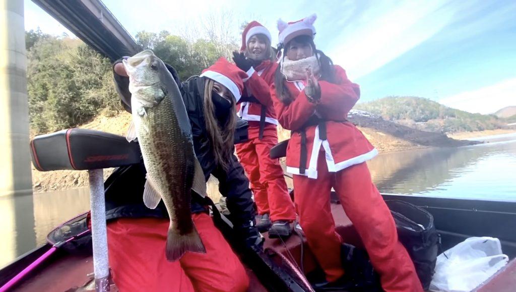 クリスマスはサンタになってバス釣り♡